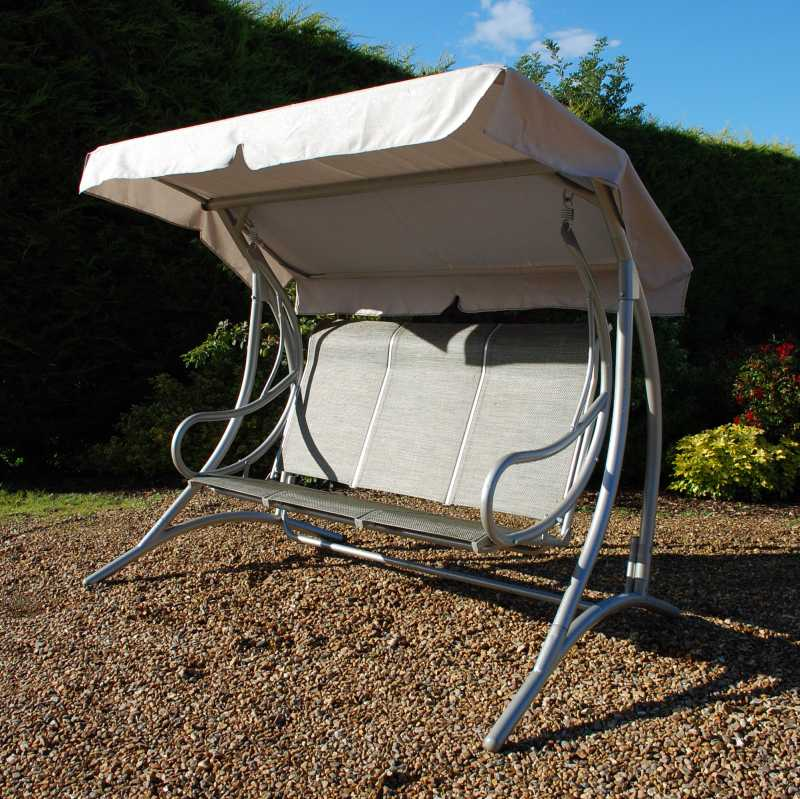 Garden Furniture Scotland brings you quality garden and patio furniture te